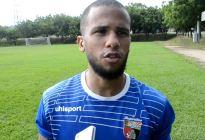 El momento en que un jugador del Deportivo Lara se desplomó en pleno partido (VIDEO)