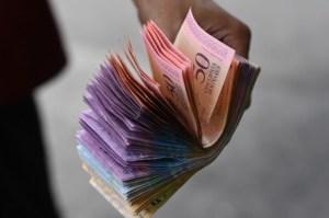 Desaparecen los bolívares en efectivo en la Guajira