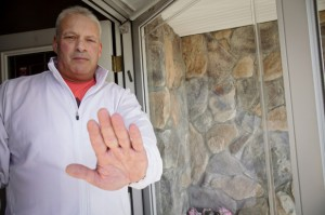 ¡Insólito! Le negó a su hijo el ingreso a la casa por irse de vacaciones en plena pandemia