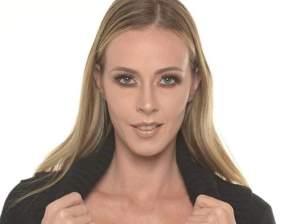 """Hoy la presa soy yo"": Flavia Gleske decidió enviarle una postal erótica a su novio por INSTAGRAM(CAPTURA)"