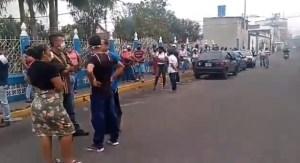 Las largas colas para poder comprar alimentos en Táchira #2Abr (Video)