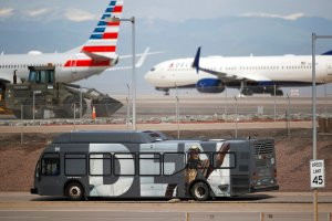 Pilotos y azafatas en EEUU expresan doble temor ante el coronavirus