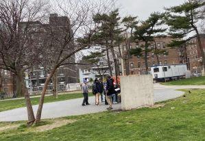 Ordenan cierre de parques en Nueva York porque residentes no acatan órdenes de cuarentena por coronavirus
