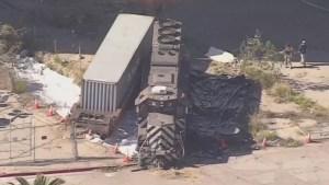 Hombre intenta descarrilar tren para destruir barco hospitalario en Los Ángeles