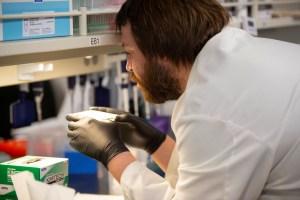 Francia, Italia y Bélgica actúan para frenar uso de hidroxicloroquina para Covid-19