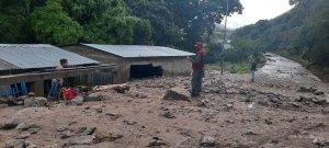 Fuertes lluvias tapiaron viviendas y carreteras en Trujillo (FOTOS)