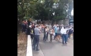 EN VIDEO: Vecinos de varios sectores en Caracas protestan por la falta de agua este #28May