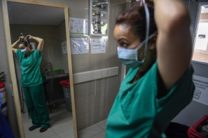 Denuncian que a los trabajadores del sector salud en Falcón no les han hecho pruebas PCR (Video)