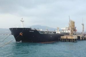 Segundo tanquero con combustible iraní llega a aguas venezolanas