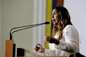 Desiree Barboza: Leonidas González pretende silenciar a los lagunillenses