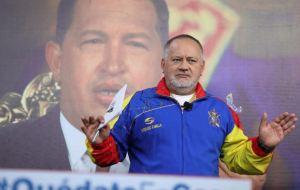 """Régimen de Maduro publica una fotografía de Diosdado Cabello """"en combate"""""""