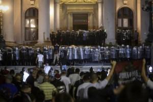 ¿Por qué el coronavirus ha desencadenado las protestas en Serbia?