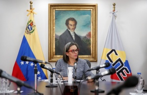Presidenta del CNE de Maduro invitó a los venezolanos a sumarse a la farsa electoral del #6Dic (VIDEO)