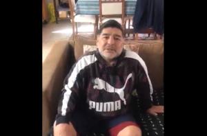 """Un Maradona """"tieso"""" le desea pronta recuperación a El Aisami… o eso fue lo que entendimos (VIDEO)"""