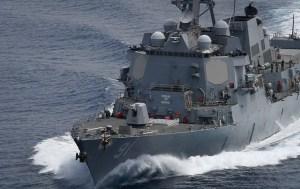 Destructor de EEUU bordeó mar territorial para recordar que las aguas internacionales no son de Maduro