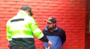 Venezolano terminó implorando perdón tras ser capturado por robar un celular en Perú