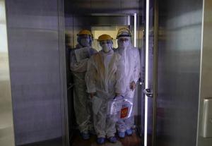 Cómo un viaje en ascensor causó 71 nuevos casos de Covid-19 en China