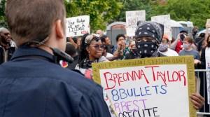 Nuevos audios arrojan luz sobre la muerte de la afroamericana Breonna Taylor a manos de la policía
