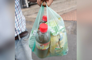 Comerciantes de Lara ofrecen combos de comida para salir de la mercancía
