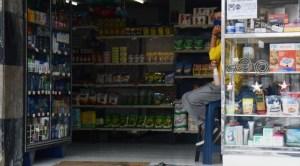 Tiendas en Lara buscan subsistir vendiendo alimentos
