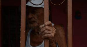 Vecinos de centros médicos centinela viven con miedo al contagio por Covid-19
