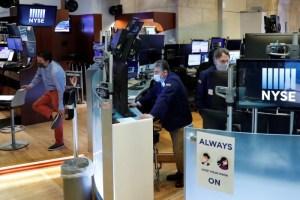 Ganancias y Microsoft impulsan a Wall Street mientras inversores esperan estímulos