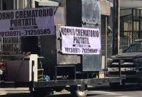 Un crematorio móvil recorre las calles de Bolivia ante la pandemia (VIDEO)