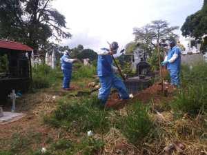 En Fotos: Así entierran a pacientes muertos por coronavirus en Táchira