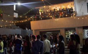 Crónicas de Caracas: La influencia de lenguas muertas en un argot popular para eventos sociales