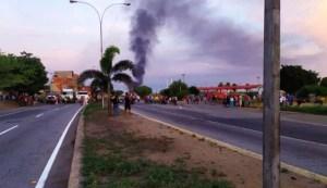 Protesta por gasolina en E/S en Puerto Cabello #30Sep (FOTOS)