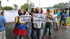 Vecinos de los sectores de la Av. del Torbes en Táchira, trancaron el paso por la vía para exigir la venta de gas doméstico #29Sep