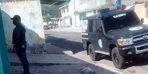 En Fotos: Esbirros del Sebin sostienen el allanamiento a la casa de Carlos Millán