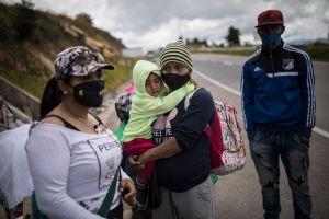 El País: Estragos económicos de la pandemia se ceban con los venezolanos en Colombia
