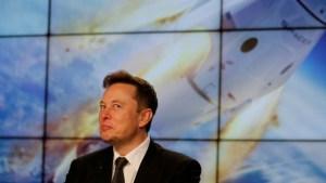 Elon Musk nombró dos lugares del Sistema Solar que podrían albergar vida