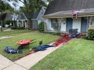 Un hombre en Dallas decoro su casa para Halloween y ha recibido varias visitas de la policía (FOTOS)
