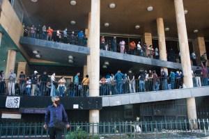 El grave problema de los venezolanos para obtener documentos de identidad (Video)