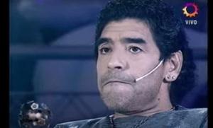 """""""¿Qué te dirías desde el cementerio?"""" El día que Maradona se entrevistó y habló de su propia muerte (VIDEO)"""