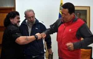 Maradona el eterno amigo de Hugo Chávez y el régimen venezolano
