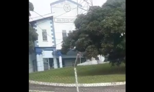Denuncian que los 16 niños deportados en Trinidad y Tobago siguen estando detenidos #25Nov (VIDEO)