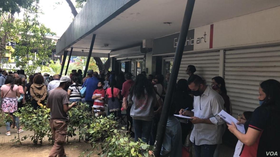 El problema de los venezolanos para obtener documentos de identidad (Video)