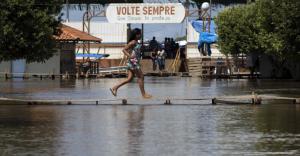 Advierten que las lluvias extremas y el cambio climático son causantes de nacimientos prematuros en la Amazonia