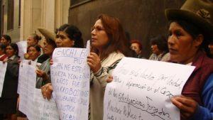 """""""Me abrieron la barriga cuando aún no estaba dormida"""": La esterilización forzosa que sufrieron mujeres en Perú"""