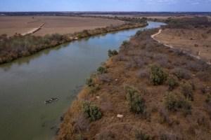 Hallaron el cuerpo de un migrante al borde del río Bravo entre México y EEUU