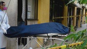"""Infectado de Covid-19 se encerró en su casa por miedo a """"morir como toda su familia""""… y falleció"""