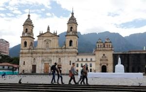 Tercera ola de Covid-19 obligó al cierre de la principales ciudades de Colombia