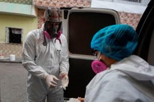 Casi 1.300 contagios diarios fueron contabilizados por el chavismo