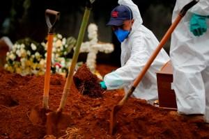 Brasil supera los 365.000 decesos por coronavirus
