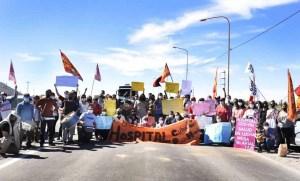 Argentina: La producción de crudo y gas podría comenzar a caer. Las protestas llegan al sexto día