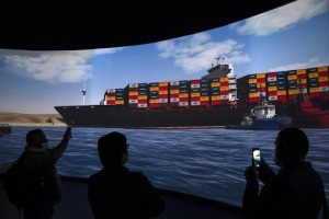 """Declaran apto para la navegación al """"Ever Given"""", pero seguirá retenido en el Canal de Suez"""