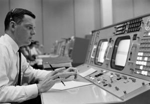 """""""Houston, tenemos un problema"""": El héroe que salvó la vida de los astronautas del Apolo 13 y los trajo de regreso a la Tierra"""